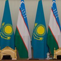 """Узбекистан и Казахстан решили создать """"золотой туристический квадрат"""""""